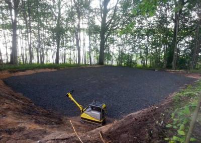 Pohjan kaivuu ja piharakentaminen
